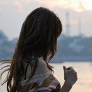 爱,不是找一个完美的人,而是欣赏